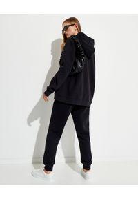 NANUSHKA - Czarna bluza z kapturem Ever. Okazja: na co dzień. Typ kołnierza: kaptur. Kolor: czarny. Materiał: polar, bawełna, jeans. Wzór: haft. Sezon: lato. Styl: vintage, casual