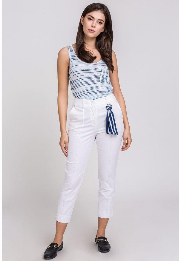 Białe spodnie Monnari