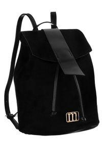 Zamszowy plecak czarny Monnari BAG2260-017. Kolor: czarny. Materiał: skóra ekologiczna. Wzór: aplikacja. Styl: elegancki