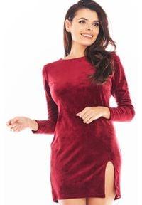 Awama - Ołówkowa Mini Sukienka Welurowa z Rozporkiem - Bordowa. Kolor: czerwony. Materiał: welur. Typ sukienki: ołówkowe. Długość: mini