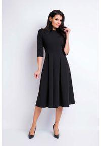 Awama - Czarna Sukienka Wizytowa Midi z Szerokim Dołem. Kolor: czarny. Materiał: poliester, wiskoza, elastan. Styl: wizytowy. Długość: midi