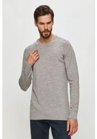 Clean Cut Copenhagen - Sweter. Okazja: na co dzień. Kolor: szary. Materiał: dzianina. Długość rękawa: długi rękaw. Długość: długie. Styl: casual