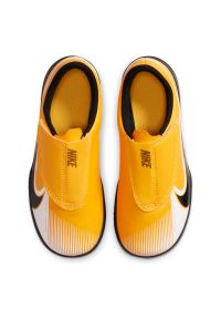 Buty halowe dla dzieci Nike Mercurial Vapor 13 Club PS IN AT8170. Zapięcie: rzepy. Materiał: skóra, syntetyk. Szerokość cholewki: normalna. Sport: piłka nożna