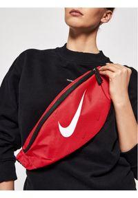 Nike Saszetka nerka DC7343-657 Czerwony. Kolor: czerwony