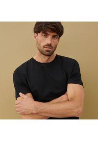 Reserved - Bawełniana koszulka basic - Czarny. Kolor: czarny. Materiał: bawełna