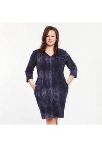 Niebieska sukienka dla puszystych Moda Size Plus Iwanek z aplikacjami, casualowa, na jesień