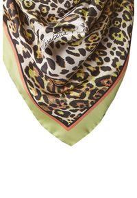 Chusta Elisabetta Franchi na zimę, w kolorowe wzory