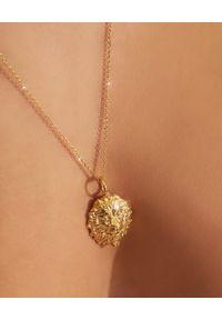 HERMINA ATHENS - Pozłacany naszyjnik z lwem Thireos. Materiał: pozłacane. Kolor: złoty