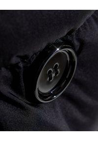 Burberry - BURBERRY - Czarny płaszcz puchowy. Kolor: czarny. Materiał: puch. Długość rękawa: długi rękaw. Długość: długie. Styl: klasyczny #3
