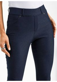 Niebieskie jeansy bonprix z haftami #7