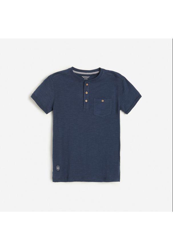 Reserved - Bawełniana koszulka polo - Granatowy. Typ kołnierza: polo. Kolor: niebieski. Materiał: bawełna