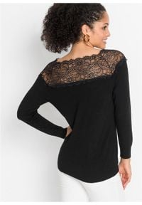 Sweter z koronką w dekolcie bonprix czarny. Kolor: czarny. Materiał: koronka. Wzór: koronka