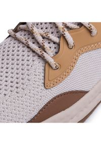 Szare buty sportowe columbia