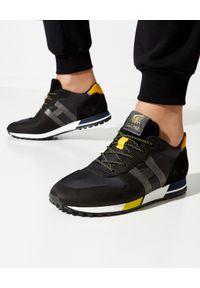 Hogan - HOGAN - Czarne sneakersy H383. Kolor: czarny. Materiał: guma. Wzór: aplikacja. Sezon: lato. Sport: tenis