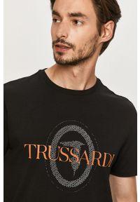 Czarny t-shirt Trussardi Jeans casualowy, na co dzień, z nadrukiem