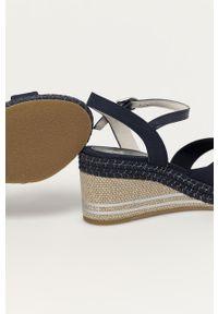 Niebieskie sandały U.S. Polo Assn na średnim obcasie, gładkie, na koturnie