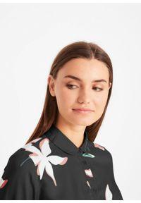 Bluzka w kwiaty bonprix czarny w kwiaty. Kolor: czarny. Materiał: wiskoza. Wzór: kwiaty