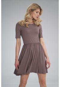 Figl - Krótka Wiskozowa Sukienka na Lato - Brązowa. Kolor: brązowy. Materiał: wiskoza. Sezon: lato. Długość: mini