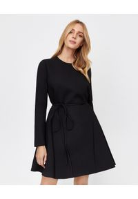 Czarna sukienka mini VALENTINO rozkloszowana, z długim rękawem, do pracy