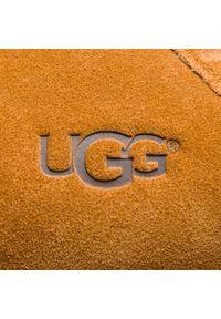 Brązowe kapcie Ugg