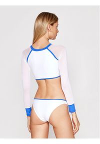 Białe bikini