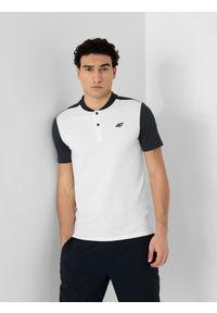 4f - Koszulka polo męska. Okazja: na co dzień. Typ kołnierza: polo. Kolor: biały. Materiał: włókno, dzianina. Styl: casual