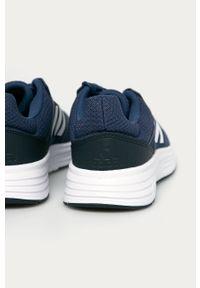 Niebieskie buty sportowe Adidas z okrągłym noskiem, na sznurówki