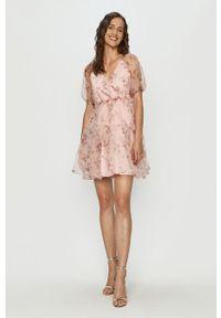 Różowa sukienka Vila z krótkim rękawem, rozkloszowana, mini