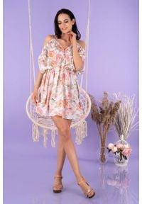 Merribel - Zwiewna Krótka Sukienka w Pastelowe Róże. Kolor: różowy. Materiał: poliester. Długość: mini