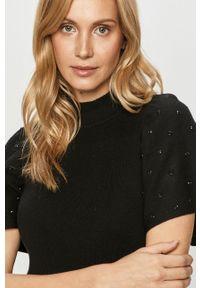 Czarny sweter Silvian Heach z aplikacjami, klasyczny, krótki