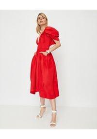 Alexander McQueen - ALEXANDER MCQUEEN - Czerwona sukienka z jedwabiu. Okazja: na wesele, na ślub cywilny, na imprezę. Kolor: czerwony. Materiał: jedwab. Styl: elegancki. Długość: midi #4