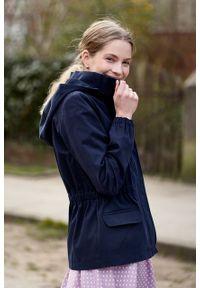 Marie Zélie - Kurtka Estel bawełna granatowa. Kolor: niebieski. Materiał: bawełna. Długość: krótkie. Sezon: lato
