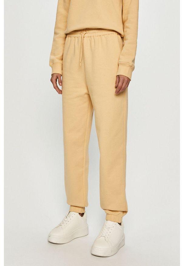 Samsoe & Samsoe - Samsoe Samsoe - Spodnie. Kolor: żółty. Materiał: dzianina. Wzór: gładki