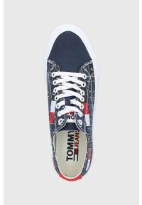 Tommy Jeans - Tenisówki. Nosek buta: okrągły. Zapięcie: sznurówki. Kolor: niebieski. Materiał: bawełna, guma