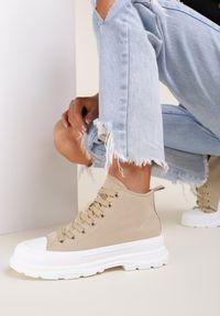 Renee - Ciemnobeżowe Trampki Phioliphis. Nosek buta: okrągły. Kolor: beżowy. Materiał: materiał, guma. Szerokość cholewki: normalna. Wzór: aplikacja. Styl: klasyczny