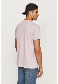 Fioletowy t-shirt Levi's® na spotkanie biznesowe, casualowy