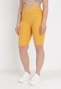 Born2be - Żółte Szorty Thelinix. Kolor: żółty