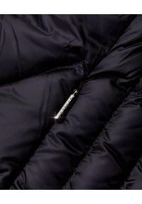 Hetrego - HETREGO - Czarny płaszcz puchowy Evette. Kolor: czarny. Materiał: puch. Styl: elegancki, sportowy