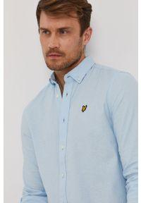Lyle & Scott - Koszula. Okazja: na co dzień. Typ kołnierza: button down. Kolor: niebieski. Materiał: tkanina. Długość rękawa: długi rękaw. Długość: długie. Wzór: gładki. Styl: casual