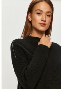 Czarny sweter casualowy, długi