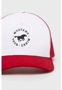 Czerwona czapka z daszkiem Mustang gładkie