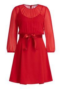 iBlues Sukienka koktajlowa 72261796 Czerwony Regular Fit. Kolor: czerwony. Styl: wizytowy #5