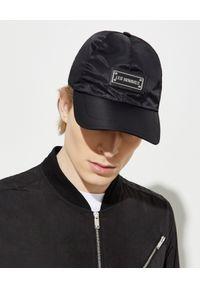 Les Hommes - LES HOMMES - Czarna czapka z daszkiem. Kolor: czarny. Materiał: materiał, jeans. Wzór: aplikacja