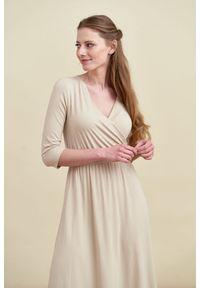 Biała sukienka Marie Zélie z krótkim rękawem, z kopertowym dekoltem, prosta