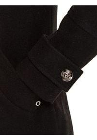 TOP SECRET - Dwurzędowy płaszcz z odpinanym futerkiem. Kolor: czarny. Materiał: futro. Wzór: moro. Sezon: zima. Styl: militarny, elegancki #3