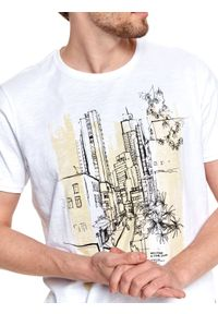 TOP SECRET - T-shirt z nadrukiem. Kolor: biały. Materiał: tkanina, bawełna. Długość rękawa: krótki rękaw. Długość: krótkie. Wzór: nadruk. Sezon: lato. Styl: wakacyjny #3