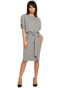 Szara sukienka dresowa MOE z krótkim rękawem