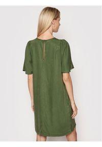 Superdry Sukienka codzienna W8010722A Zielony Regular Fit. Okazja: na co dzień. Kolor: zielony. Typ sukienki: proste. Styl: casual