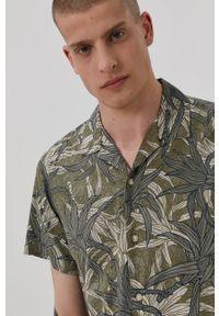 PRODUKT by Jack & Jones - Produkt by Jack & Jones - Koszula. Typ kołnierza: kołnierzyk klasyczny. Kolor: zielony. Materiał: tkanina. Długość rękawa: krótki rękaw. Długość: krótkie. Styl: klasyczny