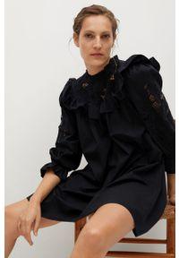 mango - Mango - Sukienka ADELAIDA. Typ kołnierza: kołnierzyk stójkowy. Kolor: czarny. Materiał: bawełna, koronka, materiał. Długość rękawa: długi rękaw. Typ sukienki: rozkloszowane #2